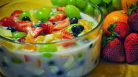 cara membuat sop buah minuman buka puasa yang patut kamu coba buat di rumah.