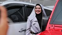 Sarita mengaku, bahwa telah ada kesepakatan untuk berpisah dengan suaminya. Berbagai persiapan, termasuk gugatan cerai yang akan dilayangkan pada Senin (16/4) mendatang. (Adrian Putra/Bintang.com)