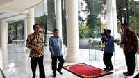 Jokowi dan JK makan siang bersama di Kantor Wapres.