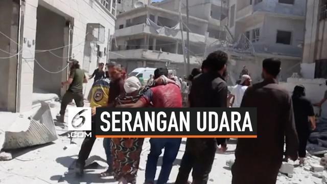 Serangan udara militer Suriah bombardir sebuah pasar yang sedang ramai pengunjung di provinsi Idlib. Serangan tewaskan 11 orang, termasuk anak-anak.