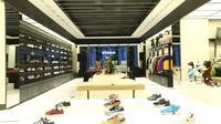 Sneakers Atmos dari Jepang. foto: istimewa