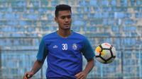 Muhammad Rafli, pemain Arema berusia 19 tahun. (Bola.com/Iwan Setiawan)