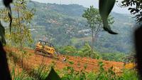 Eksekusi lahan oleh PT Sentul City di Desa Bojong Koneng, Kecamatan Babakan Madang, Kabupaten Bogor. (Liputan6.com/Achmad Sudarno)