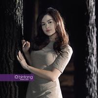 Cut Meyriska, sosok cantik yang tengah populer, kini membintangi sebuah judul sinetron baru yang tayang di SCTV. (Foto: Bambang E Ros, DI: Muhammad Iqbal Nurfajri/Bintang.com)