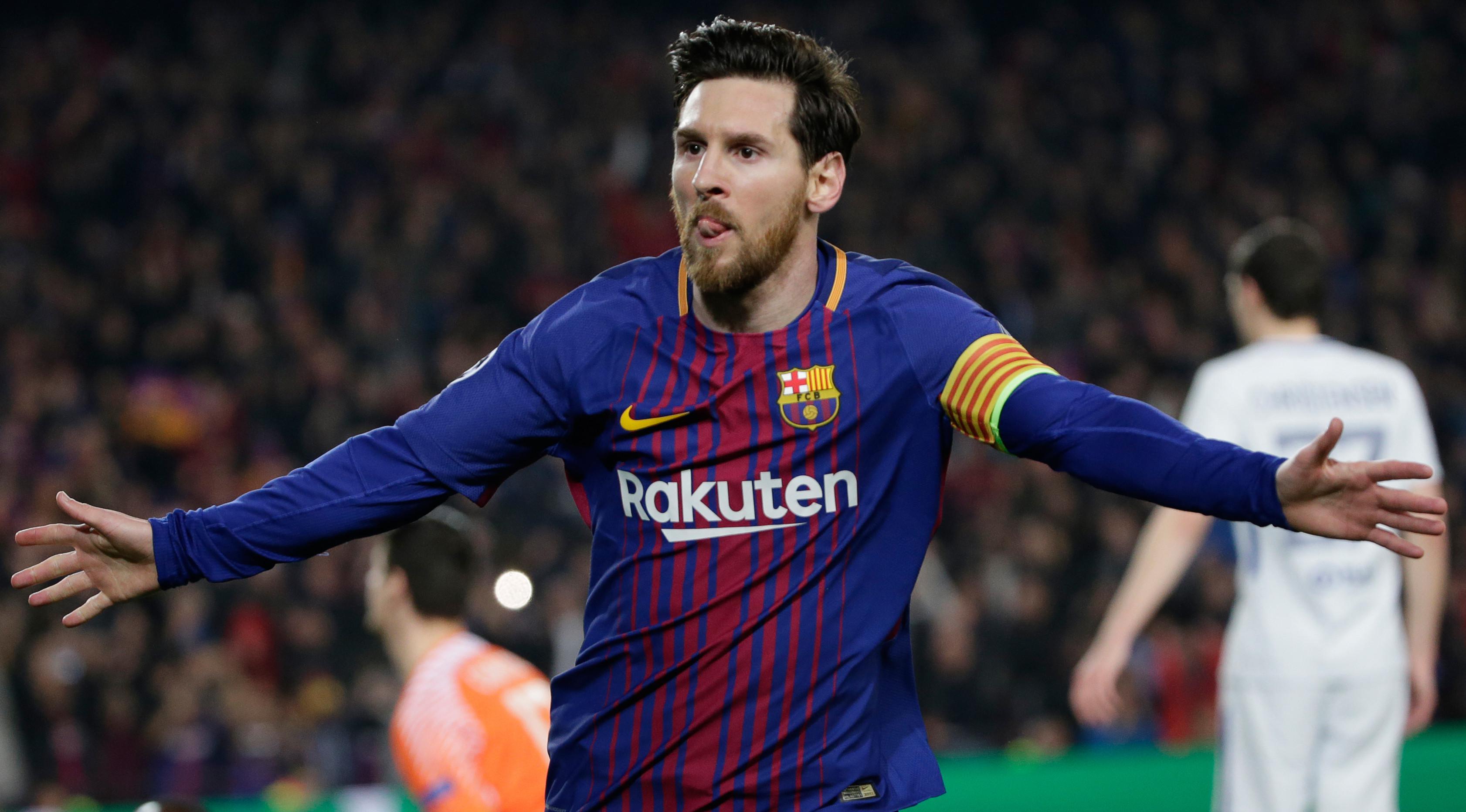 Pemain Barcelona, Lionel Messi merayakan golnya ke gawang Chelsea pada leg kedua babak 16 besar Liga Champions di Camp Nou, Rabu (14/3) (AP/Emilio Morenatti)