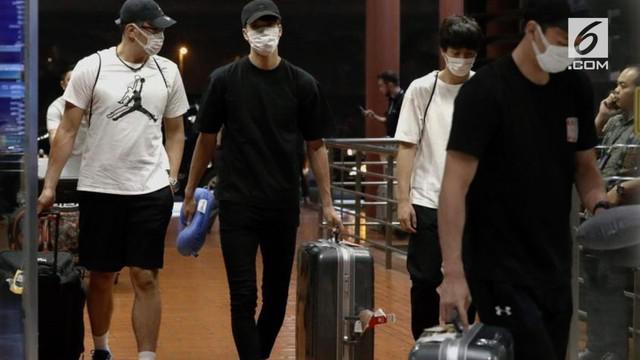 Para atlet Jepang itu terbujuk calo di jalan untuk pergi ke hotel dengan wanita. Insiden tersebut terjadi tepat setelah mereka makan malam dan meninggalkan Kampung Atlet.
