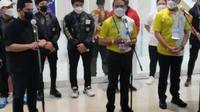 Konferensi pers oleh Menpora Zainudin Amali, Menteri BUMN Erick Thohir, dan Ketum PSSI Iwan Bule setelah laga pembukaan Liga 2 2021 di Stadion Manahan, Minggu (26/9/2021) malam. (Bola.com/Vincentius Atmaja)