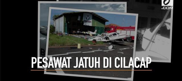 Satu pilot tewas dalam kecelakaan pesawat latih di Bandara Tunggul Wulung, Cilacap, Jawa Tengah. Peristiwa itu terjadi sekitar pukul 15.15 WIB.