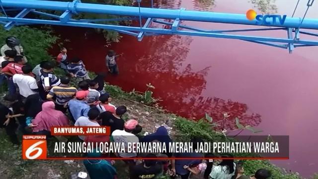 Warga di Banyumas mendadak gempar lantaran berubahnya air Sungai Logawa menjadi merah darah. Banyak yang mengaitkan dengan hal mistis, padahal warna merah berasal dari pewarna cat.