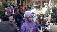 Ketua Ikatan Psikologis Klinis DIY, Siti Urbayatun mengatakan, dalam pendampingan siswa SMPN 1 Turi Sleman ada enam siswi yang mengalami gejala psikologis intens usai tragedi susur Sungai Sempor. (Liputan6.com/  Yanuar H)