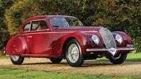Alfa Romeo 6C 2500 Berlinetta lansiran 1939 ini diberikan Mussolini kepada selirnya, Clara Petacci.