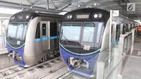 Dua kereta MRT berada di stasiun Lebak bulus Jakarta. (Liputan6.com/Angga Yuniar)