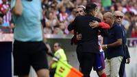 Pelatih Atletico Madrid, Diego Simeone, yakin Antoine Griezmann bakal berkomitmen penuh dan tidak akan mengkhianati klub.  (AFP/Pierre-Philippe Marcou)
