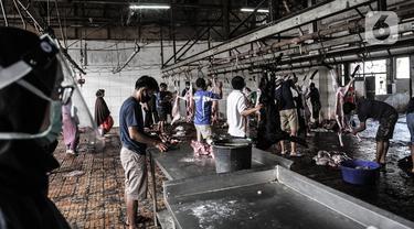 FOTO: Penyembelihan Hewan Kurban di Tengah Pandemi COVID-19