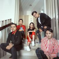 Eksklusif Geisha (MUA: @rezyandriati, Accessories: @pixandstacy, Photographer: Bambang E. Ros/Bintang.com, Digital Imaging: Muhammad Iqbal Nurfajri/Bintang.com)
