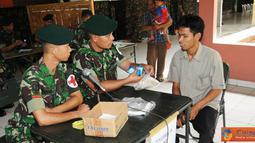Citizen6, Jakarta: Bakti sosial kesehatan yang dilaksanakan secara bersama-sama antara TNI dan SAF selama dalam latihan ini akan memberikan pengobatan umum kepada masyarakat. (Pengirim: Badarudin Bakri)