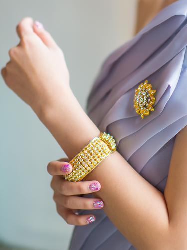 Viral Pegawai Bongkar Perselingkuhan Pelanggannya, Tukar Kado Perhiasan ke Istri Sah
