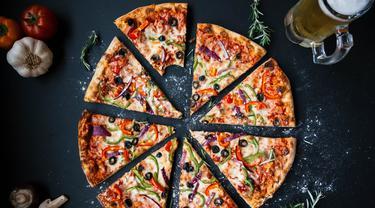 pizza-kezo