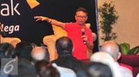 Dirjen Pajak, Ken Dwijugiasteadi memberikan sosialisasi mengenai program tax amnesty di ITC Mangga Dua, Jakarta, Selasa (1/11). Dalam sosialisasi itu, Dirjen Pajak mengajak para pedagang untuk ikut serta program tax amnesty. (Liputan6.com/Angga Yuniar)