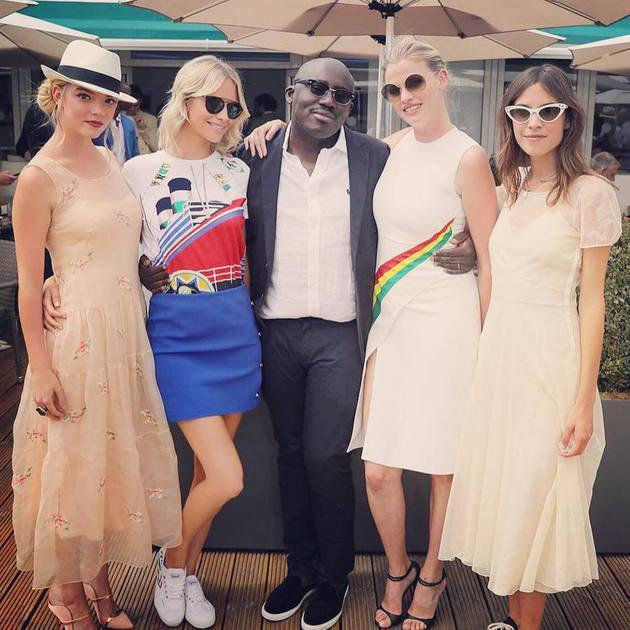 Model paling stylish, Alexa Chung dan Poppy Delevigne hadir dalam balutan Ralph Laurent. Dua seleb ini selalu kompak dalam berbagai kesempatan./Copyright instagram.com/poppydelevigne