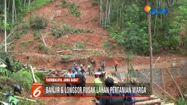 Banjir dan tanah longsor di Culamega, Tasikmalaya, Jawa Barat, merusak 1000 hektar sawah, kebun, dan kolam ikan.