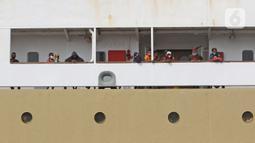 Sejumlah penumpang Kapal Doro Londa saat tiba di Pelabuhan Tanjung Priok, Jakarta, Kamis (20/5/2021). Pelabuhan Tanjung Priok kembali beroperasi pasca larangan mudik Lebaran 2021 dari Pemerintah. (Liputan6.com/Herman Zakharia)