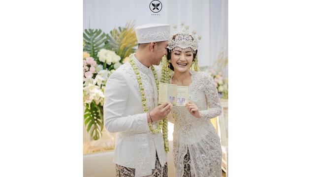 Resmi Jadi Suami Istri, Ini Fakta-fakta Pernikahan Siti Badriah dan Krisjiana