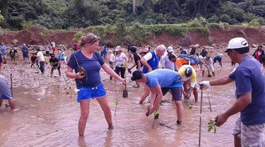 Bersih Pantai Sulut