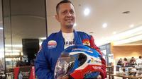 Direktur Mandalika Racing Team, Kemalsyah Nasution. (Hendry Wibowo/Bola.com)