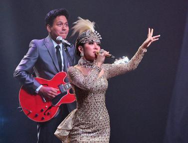 Penyanyi Syahrini Bius Penonton di Konser Journey of Syahrini