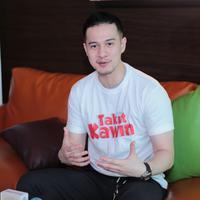 Dalam film Takut Kawin, pemeran 32 tahun itu memerankan tokoh Bimo. Pria yang berprofesi sebagai arsitek yang berpacaran dengan Lala (Indah Permatasari). (Adrian Putra/Bintang.com)