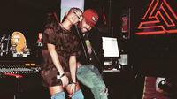 Namun di sisi lain, banyak yang menyangka hubungan Agnez dan Wijin berakhir karena pelantun lagi Long As I Get Paid tersebut mengunggah foto mesra dengan Chris Brown. (instagram/chrisbrownofficial)