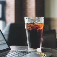 Simak apa perbedaan dari cold brew dan es kopi (instagram/whitenoelle)