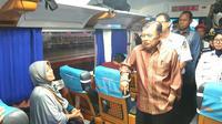 Wapres Jusuf Kalla Tinjau Stasiun Gambir. (Merdeka.com/Intan Umbari Prihatin)