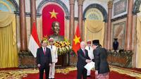 Proses penyerahan surat kepercayaan Duta Besar RI baru ke Presiden Vietnam. (Dok: KBRI Hanoi)