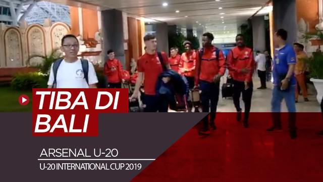 Berita video skuat Arsenal U-20 telah tiba di Bali untuk mengikuti ajang U-20 International Cup 2019 yang akan disiarkan oleh SCTV.