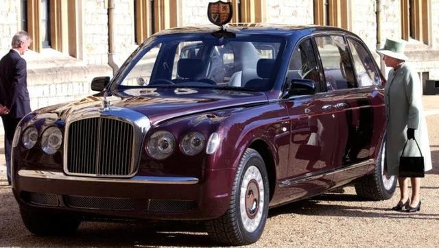 Bentley State Limousine lansiran 2002. (GQ Magazine)