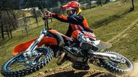 Penggemar Motocross sejati, wajib datang dan menyaksikan event balap Supercross Dirtwar yang hadir di 12 Kota.