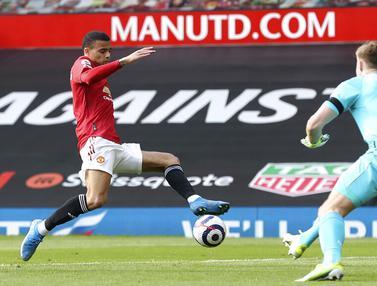 FOTO: Manchester United Taklukkan Burnley di Old Trafford