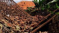 Satu rumah hancur akibat ledakan petasan di Desa Ambender, Kecamatan Pegantenan, Kabupaten Pamekasan, Madura, Jawa Timur. (Foto: Istimewa/Liputan6.com/Mohamad Fahrul)