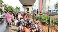 Lokasi pengungsian korban banjir Kedaung Kali Angke, Jakarta Barat, Kamis (2/1/2020). (Liputan6.com/Ady Anugrahadi)
