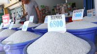 Pedagang beras di Tangerang. (Liputan6.com/Angga Yuniar)