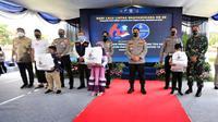 Ditlantas Jatim mencanangkan program anak asuh korban Covid-19. (Dian Kurniawan/Liputan6.com)