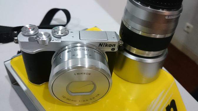 Nikon 1 J5, Kamera Mirrorless Mungil dengan Kemampuan Setara DSLR