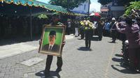 Jenazah Hasyim Muzadi diberangkatkan ke Jakarta (Liputan6.com/ Zainul Arifin)