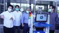 Institut Teknologi Sepuluh Nopember (ITS) berkolaborasi dengan Universitas Airlangga (Unair) meluncurkan Robot Medical Assistant ITS-Unair (RAISA).  (Foto: Liputan6.com/Dian Kurniawan)