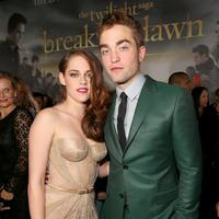 Kristen Stewart dan Robert Pattinson (Christopher Polk / GETTY IMAGES NORTH AMERICA / AFP)