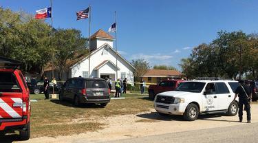 Penembakan terjadi di First Baptist Church di Sutherland Springs, Minggu 5 November 2017 waktu setempat