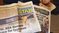 Sejumlah tajuk utama media massa di Filipina jelang pembukaan SEA Games 2019, Sabtu (30/11/2019). (Bola.com/Zulfirdaus Harahap)