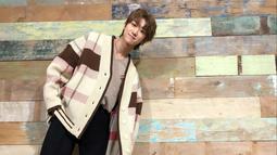 Pada Mei 2015, ia debut dengan Seventeen. Posisinya di boygroup naungan Pledis Entertaintment ini adalah vocalist dan dancer. (Liputan6.com/IG/@xuminghao_o)